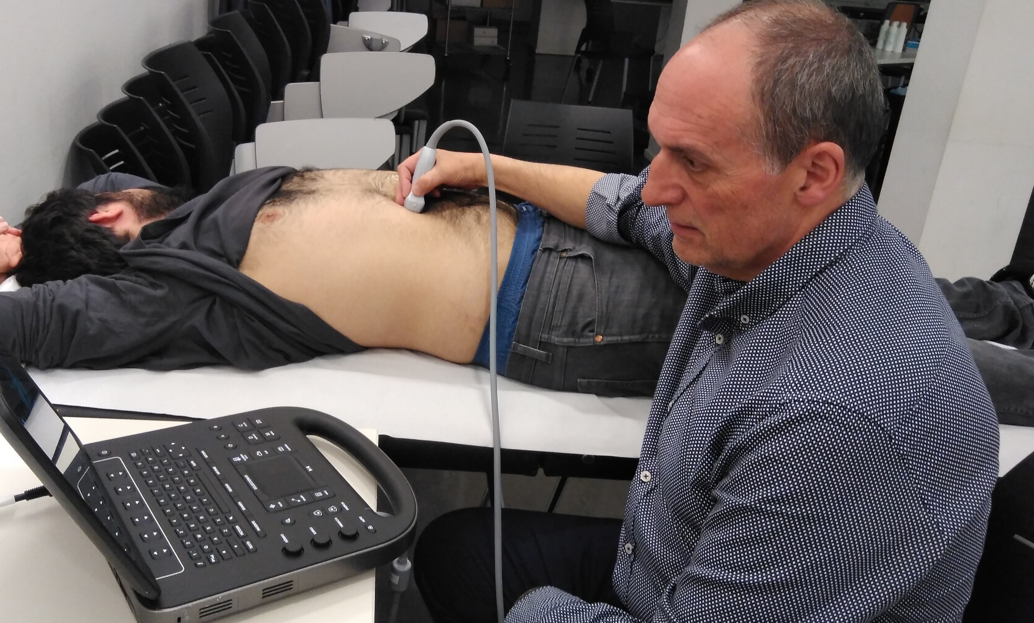 Dr. Pere Guirado using a SonoSite Edge II