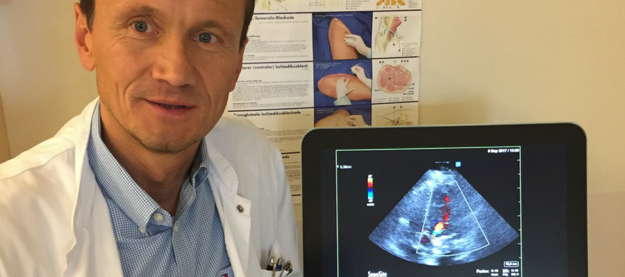 Dr. Martin Zoremba using the Sonosite X-Porte